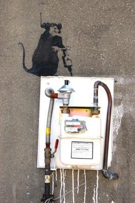 Banksy electrical box rat