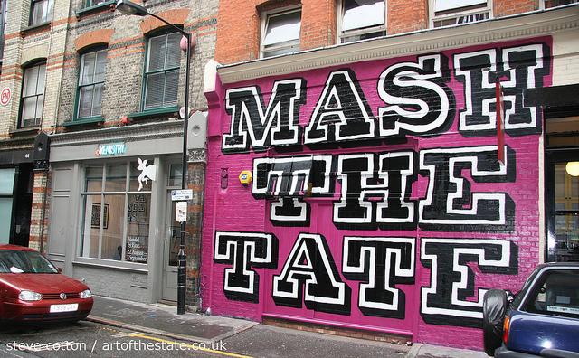 Ben Eine - Mash The Tate