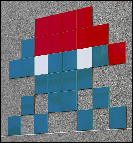 Space Invader tile graffiti