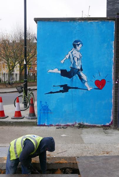 Lora Zombie street art