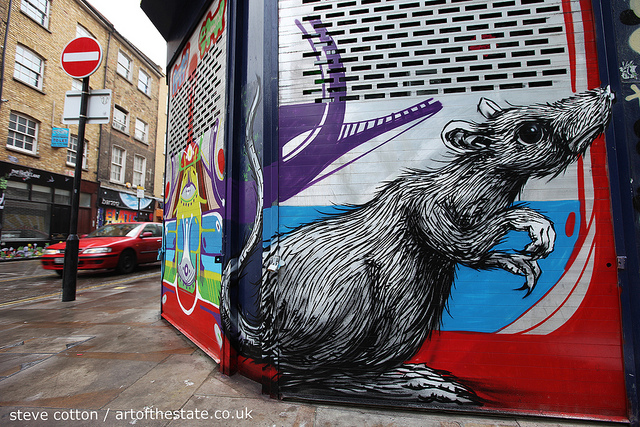 Roa rat in Brick Lane