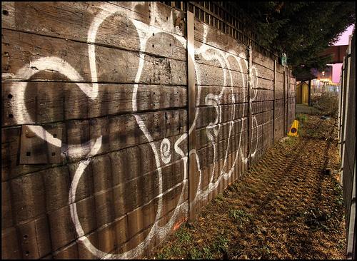 10 foot graffiti