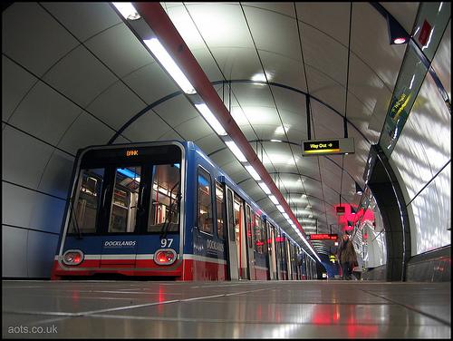 Bank Station DLR
