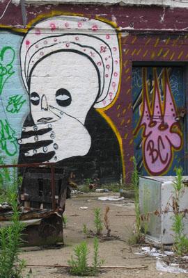 Cyclops / Tek33 _ Burning Candy graffiti , Brick Lane