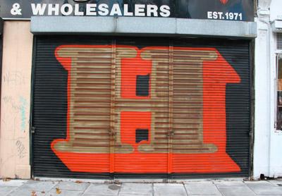 Eine letter H graffiti, Bethnal Green