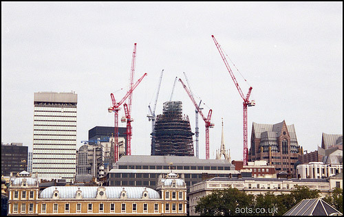 Swiss Re Tower gherkin building construction