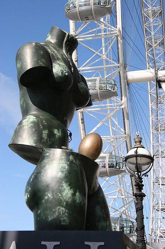 Salvador dali universe Sculpture