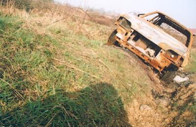 Rusting car photo