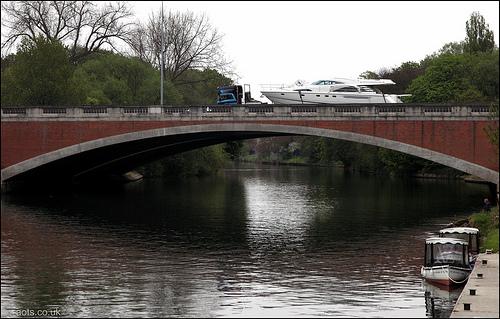 Runnymede M25 Bridge