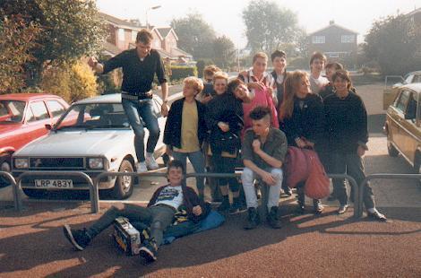 Throbs crew in Leighton Buzzard